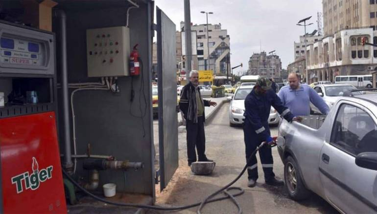 Syria temporarily cuts supplies of fuel to meet shortages