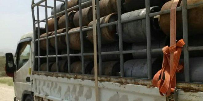 ضبط 3 شاحنات تهرّب الغاز والبصل والقمح من لبنان إلى سوريا