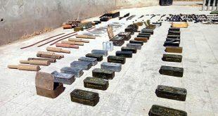 العسكريين السوريين يزيلون الألغام في دمشق ودرعا