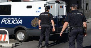رئيس بلدية إسباني يقود سيارته مخمورا ويعض شرطي المرور