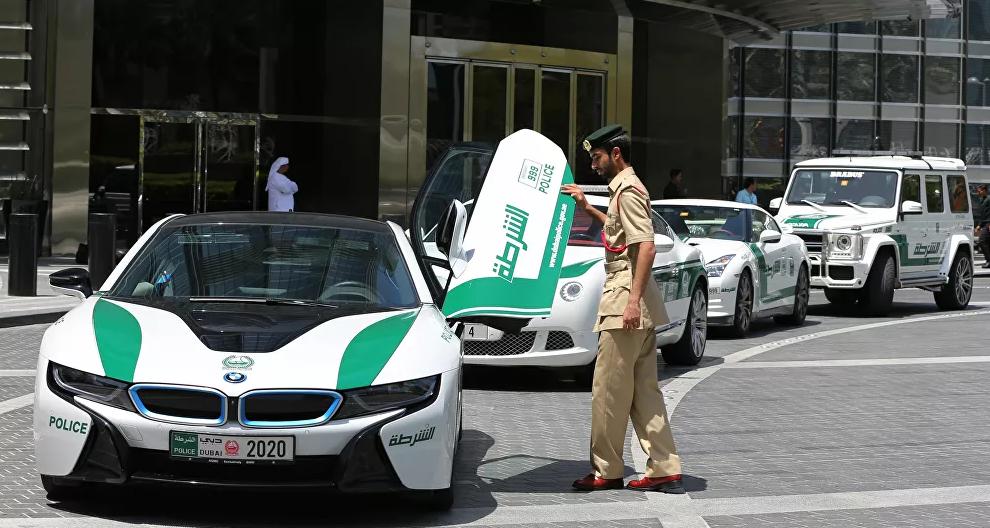 شرطة دبي تستعين بخوذة ذكية لكشف المصابين بفيروس كورونا