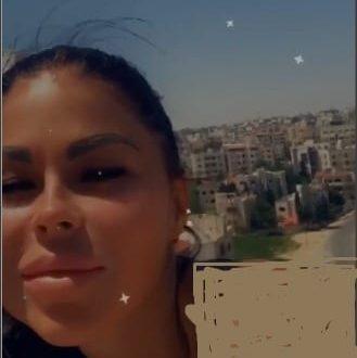 """فيديو """"مُخل"""" لأوروبيتين على سطح بناية في عمان.. شاهد!"""