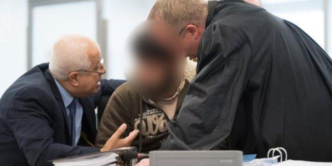 """محاكمة لاجئ سوري بتهمة تشكيل """"خلايا دردشة إرهابية"""" في المانيا"""