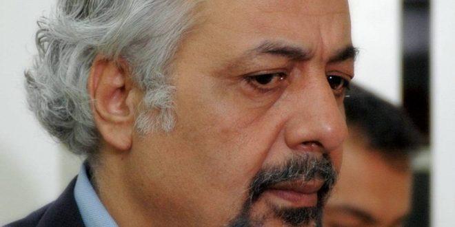 أيمن زيدان يواجه خبر وفاته بنفسه وابنه وابنته ينفجران غضباً