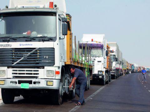 توقف تام لحركة الشحن من العراق إلى سورية