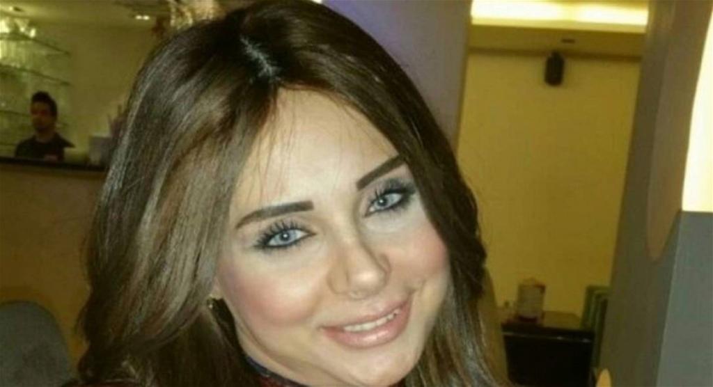 بعد أزمتها النفسية لموت والدتها.. وفاة إعلامية في حادث سير