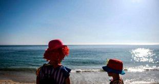 """دولة أوروبية تعيد فتح الشواطئ.. و""""شرط"""" على الجميع"""