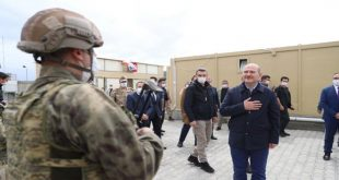 أول وزير تركي يدخل الاراضي السورية بصورة غير شرعية