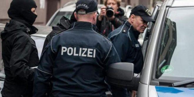 الشرطة الألمانية تعتقل 6 لاجئين سوريين.. والسبب؟