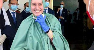 """إيطالية تظهر بـ """"الحجاب"""" وتعلن اعتناقها الإسلام"""
