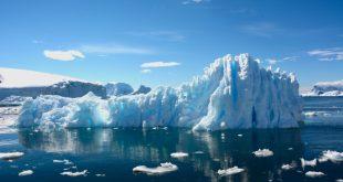 اللون الأخضر يكسو جليد القطب الجنوبي.. علماء: بداية نظام بيئي جديد