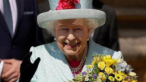 خبراء يكشفون سر جمال بشرة الملكة إليزابيث