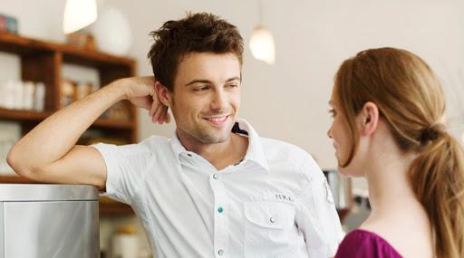 الكشف عن مواصفات الرجل الأكثر نجاحاً مع النساء