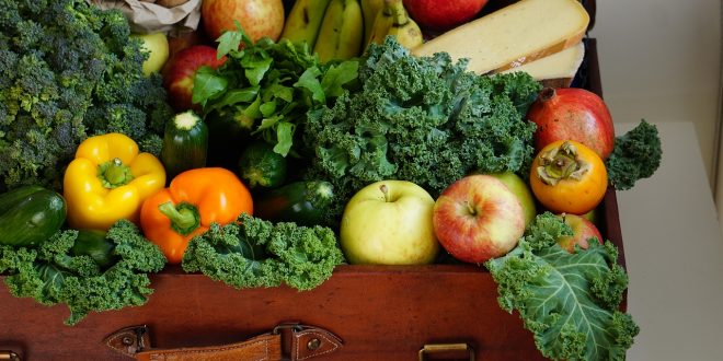 أزيلوا المبيدات عن الفواكه والخضار فوراً بهذه الطرق
