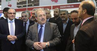 رئيس الوزراء السوري الجديد يستهل قراراته الاقتصادية بسيارات الحكومة