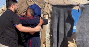 فيديو مؤثر لسوري يفاجئ عائلته ويلتقيها بعد 9 سنوات من الفراق.. شاهد!
