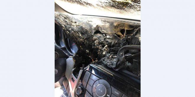 انصهار وتفحم.. هذا ما فعله معقم اليدين داخل السيارة