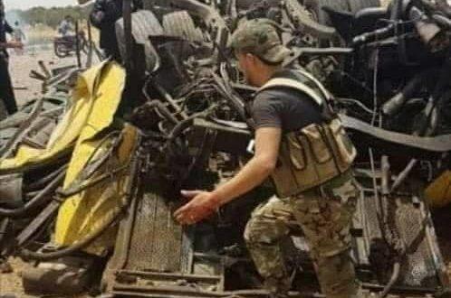 شهداء وجرحى في استهداف حافلة للجيش السوري على متنها 40 جنديا بريف درعا