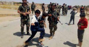 أطفال سوريون يطردون رتلا أمريكيا في ريف الحسكة.. فيديو