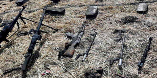 العثور على أسلحة وبنادق حربية من صناعة غربية بریف القنیطرة
