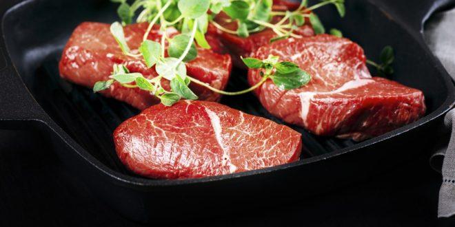 لماذا تناول اللحم النيئ محفوف