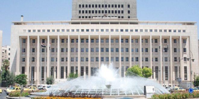 مدير العمليات المصرفية في المركزي يَعد بتحسن سعر الليرة