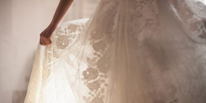 فستان زفاف لبناني بالهيرويين.. شاهد!