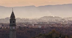 بلدة إيطالية تبيع المنزل بيورو واحد