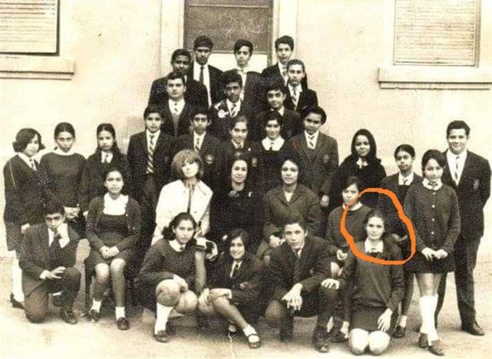 يسرا في صورة نادرة لفترة الدراسة في المدرسة الثانوية