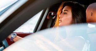 معجبون يلاحقون ياسمين صبري ويظهرون فخامة سيارتها