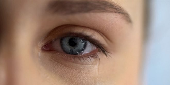 حالة حيرت الأطباء.. ابنة الـ11 عاماً بتكي دماً!