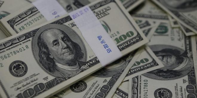 ما حقيقة تهريب الدولارات من لبنان الى سوريا؟