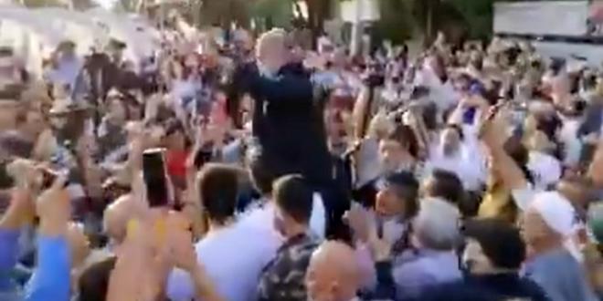"""""""رقصة كورونا"""" تضع وزير الصحة اللبناني في مأزق! (فيديو)"""