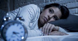 ما هي العوامل التي تسبب النوم الخفيف