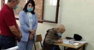 """مسن مغربي يجتاز امتحان """"البكالوريا"""