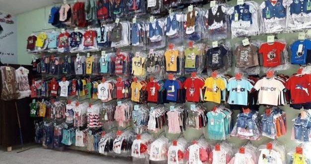 محلات الألبسة والأحذية (للفرجة فقط).. والغلاء يحرم الأطفال من ملابس