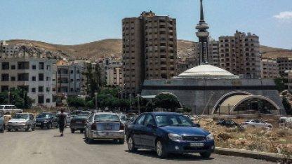 حجر بناء في ضاحية الأسد بعد رصد إصابة بفيروس كورونا