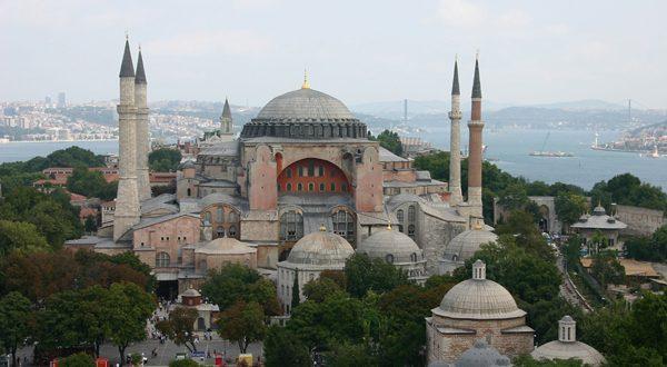 تركيا تعلن عن تحويل متحف كنيسة أيا صوفيا