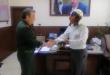 """تكريم الشرطي """"حسن جدوع"""" الذي أوصل طالب متأخر إلى مركزه الامتحاني في دمشق"""