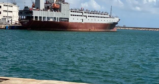 """النقل تعلن إنجاز تحويل """"براد"""" إلى سفينة لنقل المواشي!"""