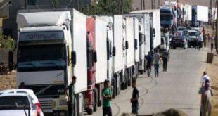 نحو 15 شاحنة سورية تنقل البضائع إلى العراق يومياً