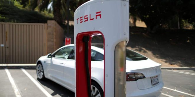 شركة صناعة السيارات الكهربائية تتجاوز التوقعات
