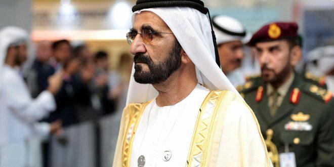 بالكمامة والملابس الرياضية... حاكم دبي يتجول بدراجة هوائية وسط الناس... فيديو وصور