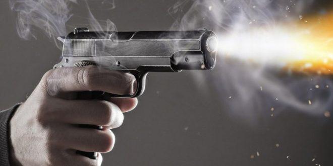 مواطن مصري يطلق النار على زوجته في الشارع