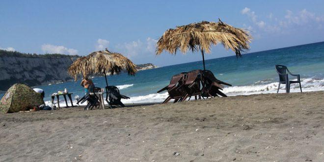إغلاق الشواطئ عند الثامنة مساء وتوقيف كل الدورات التعليمية والتدريبية في اللاذقية