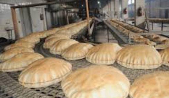 حتى باعة الخبز رفعوا أسعارهم .. فمن أين يحصلون على الربطات..؟!