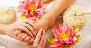 هل تعاني من تشقق القدمين؟ إليكِ أهم الطرق الطبيعية المنزلية للتخلص منه