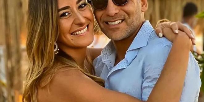 أمينة خليل تتعرض لهجوم شديد بسبب صورة بالمايوه برفقة خطيبها