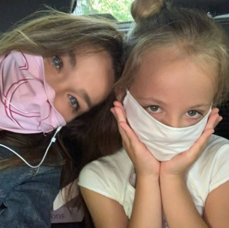 تعرفوا الى ابنة كارلا بروني ونيكولا ساركوزي