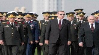 جنرال تركي يكشف أسراراً خطيرة عن تمويل قطر وتركيا للمتطرفين في سوريا